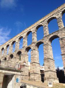 SegoviaAquaductbluesky1
