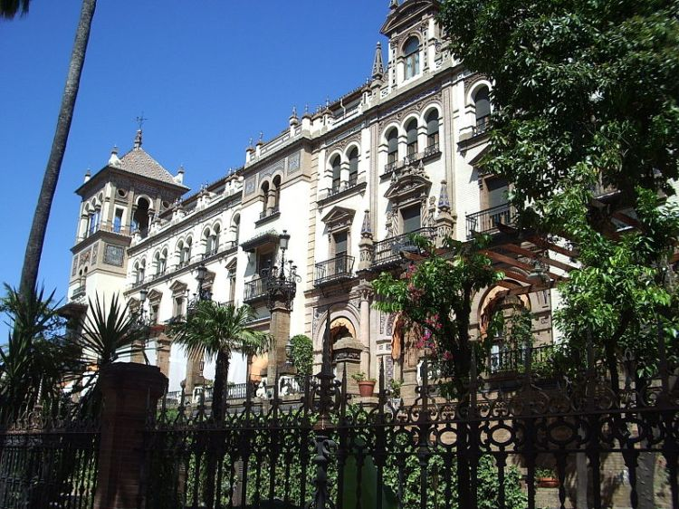 The Hotel Alfonso XIII, where we stayed. (Stolen from Wikipedia on the account of me not taking nearly enough pictures in Seville).